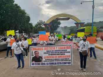 Acala marcha y se llena de carteles en exigencia a la liberación del urgenciólogo Grajales Yuca - Chiapasparalelo