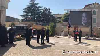 Valence : beaucoup d'émotion aux obsèques du célèbre sculpteur Toros - France Bleu