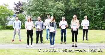 Acht neue Malergesellen im Landkreis Stade: Maler- und Lackierer-Innung feierte die Freisprechung im Technologiezentrum des Handwerks - Kreiszeitung Wochenblatt