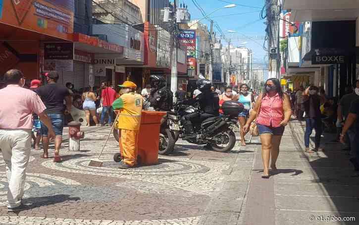 Prefeito de Aracaju anuncia abertura de parte do comércio e aumento da frota de ônibus em horários de pico - G1