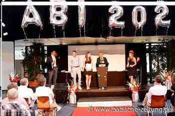 Abiturienten am Marie-Curie-Gymnasium in Kirchzarten feiern Abschluss - Kirchzarten - Badische Zeitung