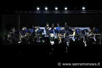 Bordighera: grande successo ieri sera ai giardini Lowe per il concerto della Banda di Borghetto (Foto) - SanremoNews.it