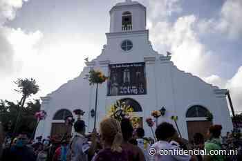 Cientos desafían a la covid-19 con procesión de Santo Domingo - Confidencial