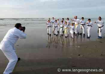 Karate-Foto-Shooting in der Abendsonne - Langeoog News