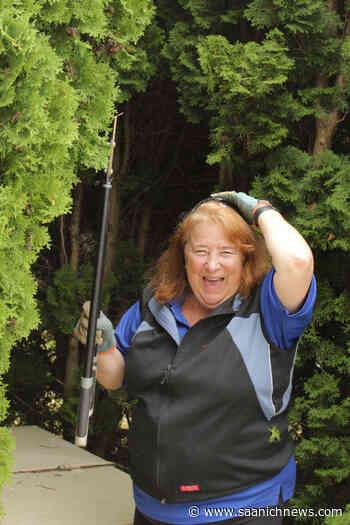 PHOTOS: A day in the life Saanich – Saanich News - Saanich News