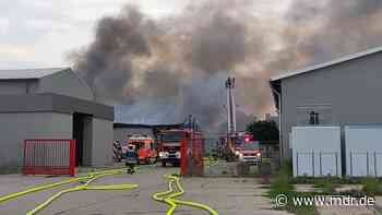 Zwei Millionen Euro Schaden nach Feuer in Lagerhalle in Magdeburg - MDR