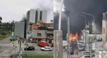 Aplacan incendio de auto en avenida Los Precursores en San Miguel - Diario Correo