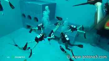 Así es la piscina más profunda del mundo, un paraíso para los amantes de la apnea - Antena 3 Noticias