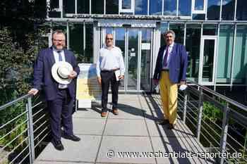 Christian Jung besuchte Eggenstein-Leopoldshafen: Arbeitsplätze, Strommasten, Zweite Rheinbrücke und Wein - - Wochenblatt-Reporter