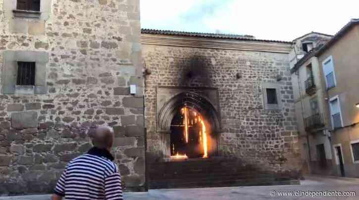 Un incendio causa importantes daños en la iglesia de San Martín de Plasencia - El Independiente