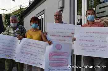 Hiltpoltsteiner protestieren gegen die Schließung der Sparkasse