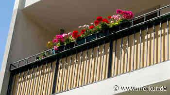 Liebhaber auf Balkon ausgesperrt - nackt! - Merkur.de
