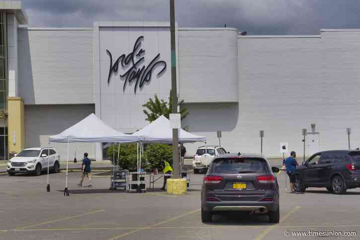Lord & Taylor looks for new owner as it files for Chapter 11