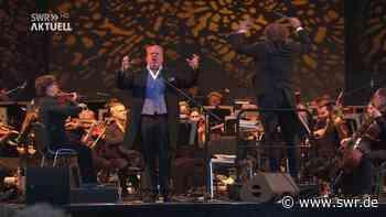 Südwestdeutsche Philharmonische spielt erstmals vollständig nach Corona-Pause im Konstanzer Bodenseestadion   Friedrichshafen   SWR Aktuell Baden-Württemberg   SWR Aktuell - SWR