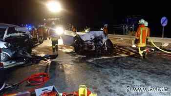Fünf Schwerverletzte bei Frontalzusammenstoß auf B33 in Allensbach   Friedrichshafen   SWR Aktuell Baden-Württemberg   SWR Aktuell - SWR