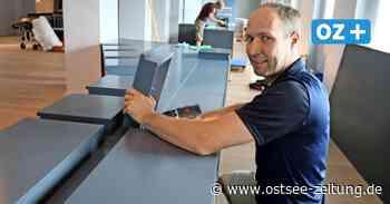 Greifswald: Vitrinenaufbau für neue Dauerausstellung im Landesmuseum - Ostsee Zeitung