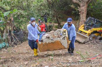 Se extrajeron más de 4 toneladas de basura de la Quebrada la Torcaza en la comuna 8 de Neiva - Alerta Tolima