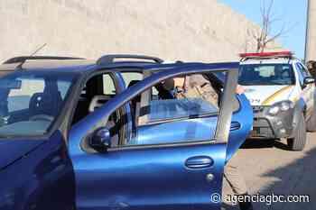 Dupla é presa vendendo carro roubado pela internet em Sapucaia do Sul - Agência GBC