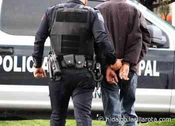Detienen a hombre con revólver tras realizar detonaciones en Tepeji - La Silla Rota