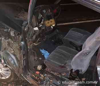 Educadora AM - Colisão com palmeira deixa casal gravemente ferido em Iracemápolis - Educadora