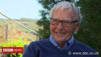 James Lovelock: Gaia theory creator on coronavirus and turning 101 - BBC News