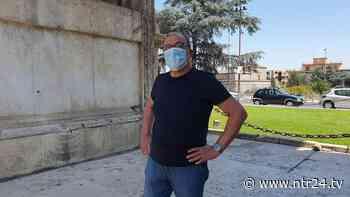 Benevento, Carlo Verdone in visita all'Arco di Traiano ea Santa Sofia - NTR24