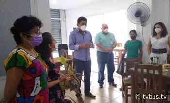 Reconoce Irineo Molina labor de pasantes de enfermería en hospital de Tuxtepec - TV BUS Canal de comunicación urbana