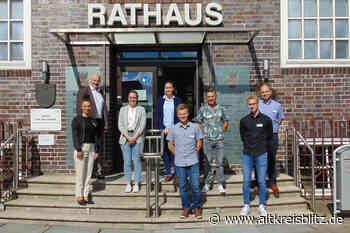 Sechs Nachwuchskräfte beginnen ihre Ausbildung bei der Stadt Lehrte - AltkreisBlitz