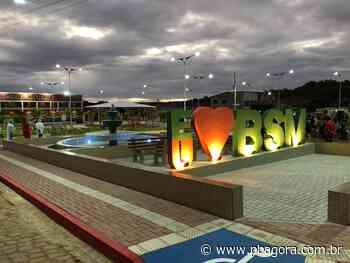Em Barra de São Miguel, Santiago prestigia inauguração de praça - PBAGORA - A Paraíba o tempo todo