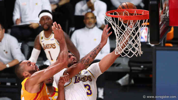Anthony Davis dominates Jazz with 42 points as Lakers clinch West's No. 1 seed