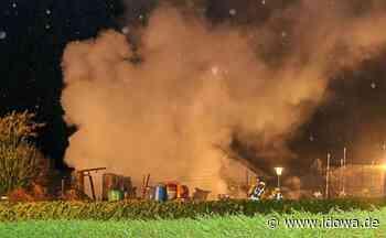 Vilshofen an der Donau - Gartenhütte brennt in der Nacht ab - idowa