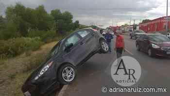 #Chihuahua   Aparatoso accidente en la Silvestre Terrazas; solo daños materiales - Adriana Ruiz