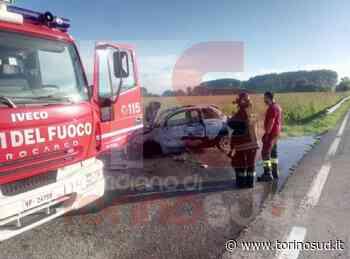 CARMAGNOLA - Paura in via Racconigi: auto in fiamme durante la marcia - TorinoSud