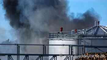 Feuer bei Holzverarbeiter in Wismar nach Stunden gelöscht - Süddeutsche Zeitung