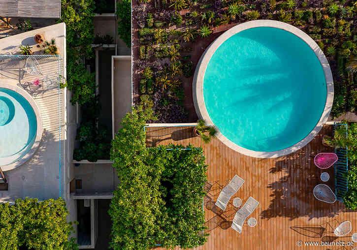 Mit Pool am Surferstrand  - Wohnkomplex von Francisco Pardo in Mexiko