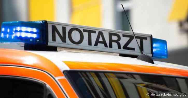 Hirschaid: 73-Jähriger gerät in den Gegenverkehr und wird von Auto erfasst