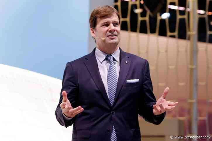 Ford CEO Hackett to retire, COO Jim Farley to lead automaker