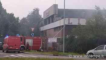 A fuoco i capannoni dismessi dell'ex Liri di Nichelino - La Stampa