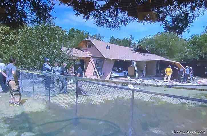 Fort Worth Fire Investigating Possible House Explosion, 1 Person Critically Injured