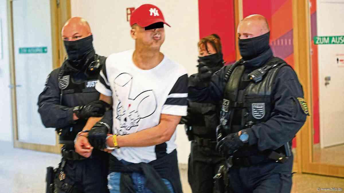 Dresden: Spuckender Friseur warf Messer auf Polizisten - BILD