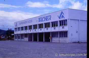 Hiperinflação provocava uma corrida aos supermercados de Brusque na década de 1980 - O Munícipio