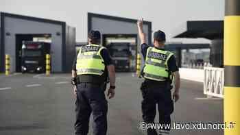Loon-Plage: six migrants découverts dans un camion frigorifique - La Voix du Nord