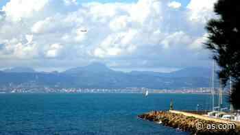 Una 'party boat' con cien turistas en la bahía de Palma incendia las redes sociales - AS