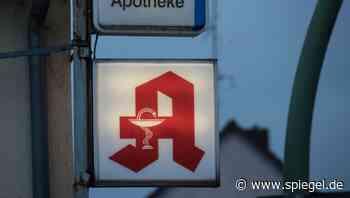 """Staatsschutz ermittelt: Warum die """"Mohren-Apotheke"""" plötzlich """"Ohren-Apotheke"""" heißt - DER SPIEGEL"""
