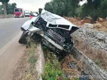 Incidente sulla provinciale, auto termina contro albero di pino sulla Ostuni-Fasano - Ostuni Notizie