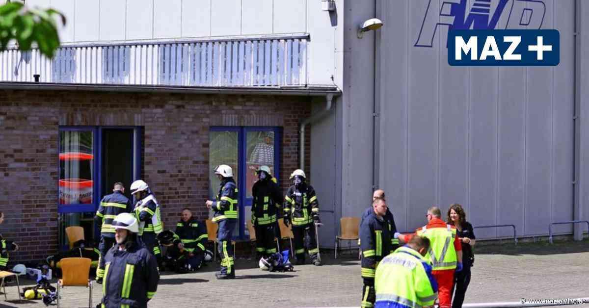Feuer in Falkenhagen - Feuer im Furnierwerk Falkenhagen - Märkische Allgemeine Zeitung