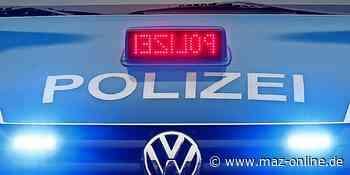 Falkensee: Oldtimer brannte aus - Märkische Allgemeine Zeitung