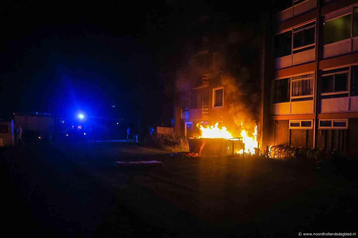 Containerbrand slaat over op flatgebouw in Beverwijk - Noordhollands Dagblad