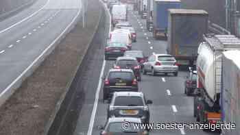 Autobahn-Niederlassung sperrt A44 im Kreuz Werl aus Dortmund kommend auf die A445 - Soester Anzeiger