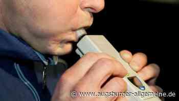 Mit 1,3 Promille: 33-Jähriger fährt zwei Außenspiegel ab - Augsburger Allgemeine
